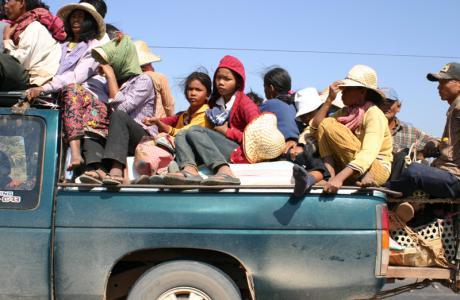 съёмка в движении на обгоне из окна автомобиля, Камбоджа